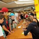 03-08-2012-molti-sportl-pichla-eigi-anni-autogrammstunde_08