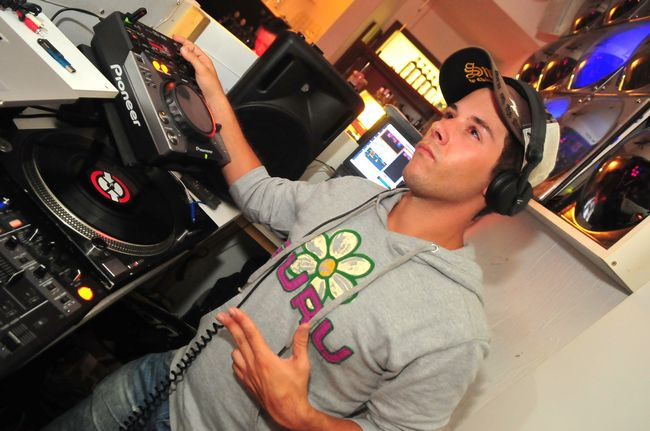 DJ Mike Bandit LIVE