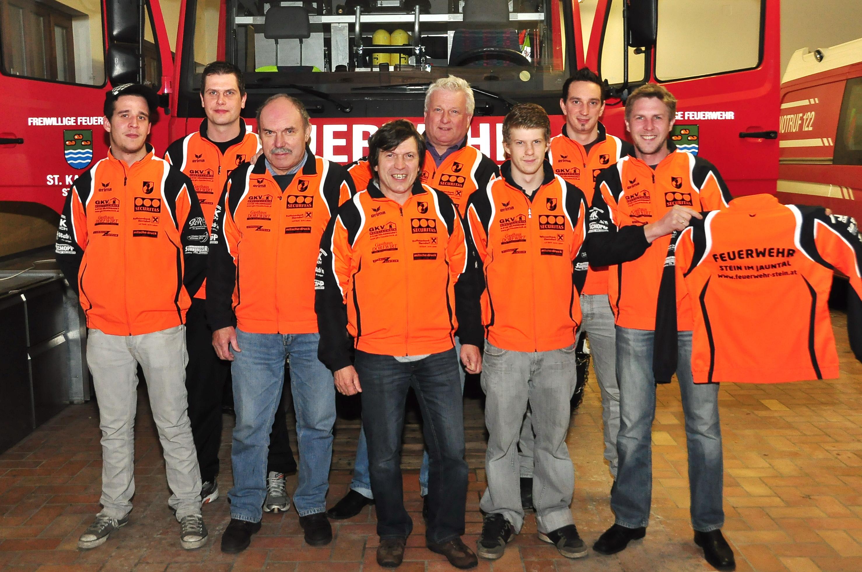 Raiffeisenbank Eberndorf  sponsert die FF Stein