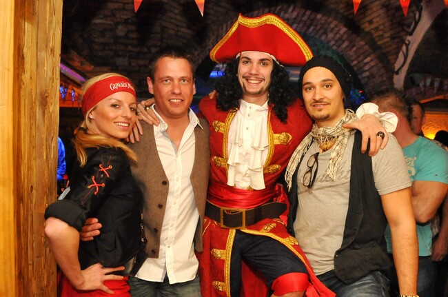 Captain Morgan Party @ Salud Alm