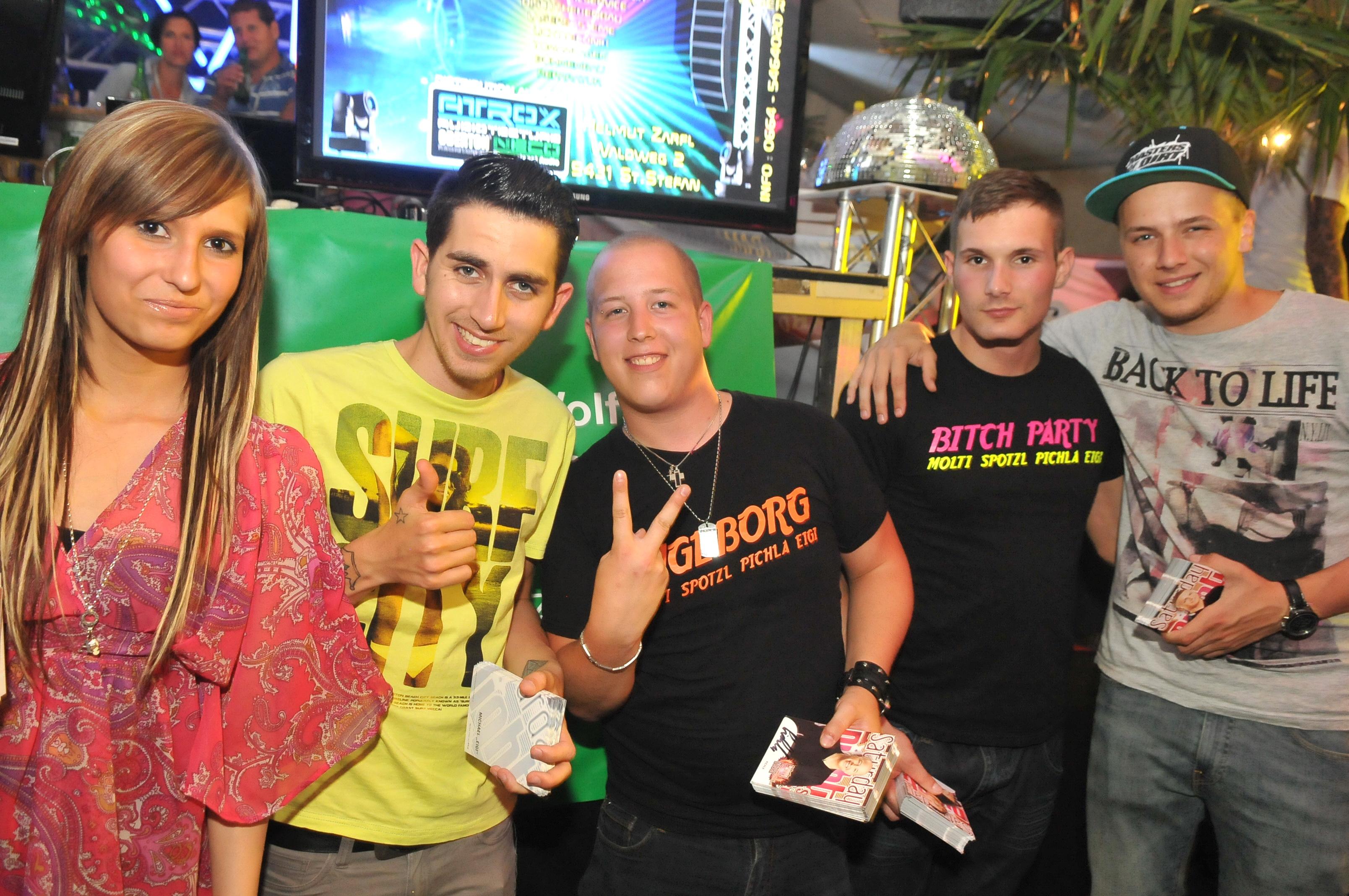 Festzelt Papageno mit Molti, Spotzl, Pichla, Eigi und Anni