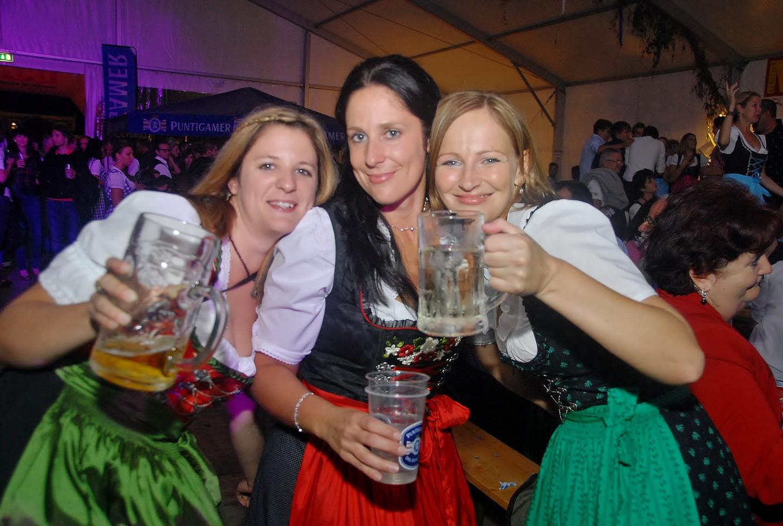 Kärntner Monat Oktober Fest 2012 mit Meilenstein